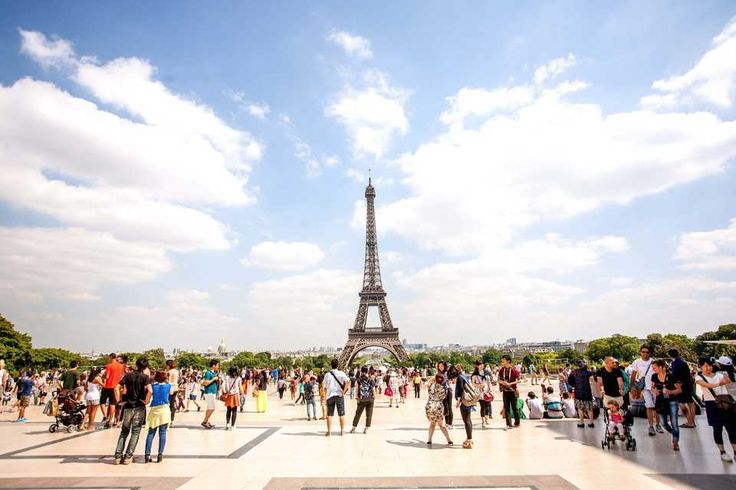 Evita las horas de fila de espera en la Torre Eiffel >> http://www.holaparis.com/entrada-sin-cola-torre-eiffel #turismo #torreiffel #paris
