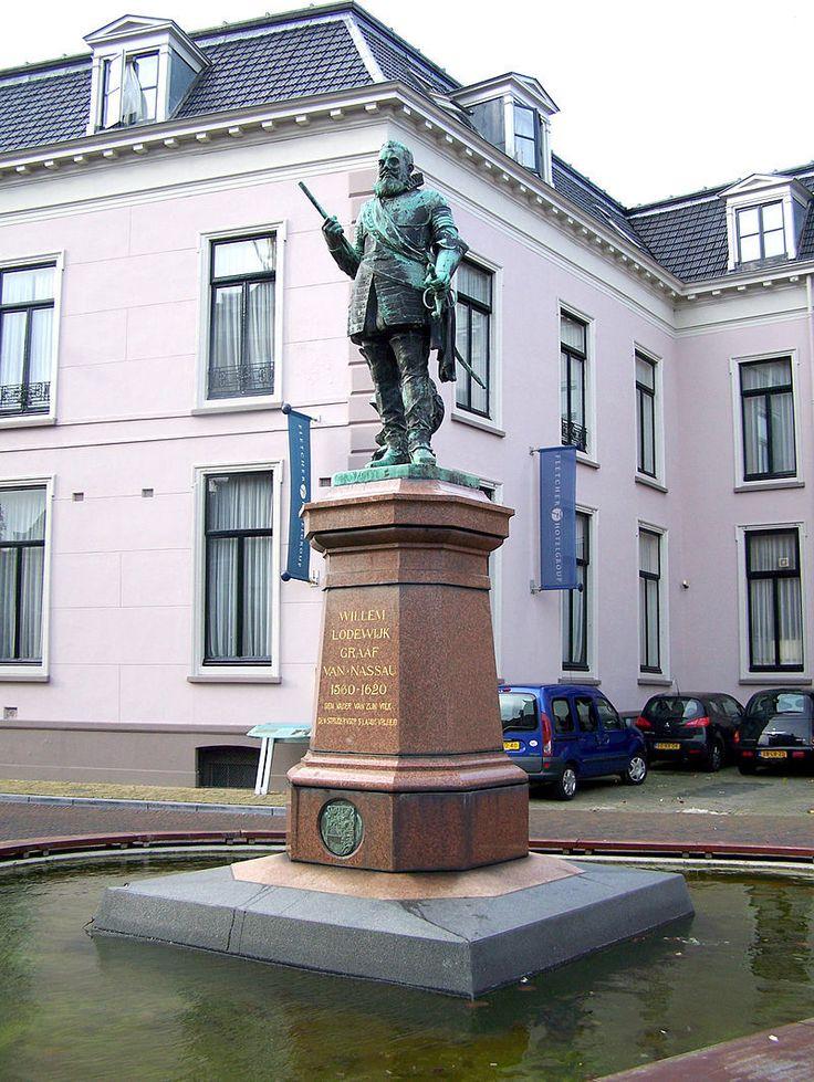 Us Heit, Hofplein, Leeuwarden, Friesland.