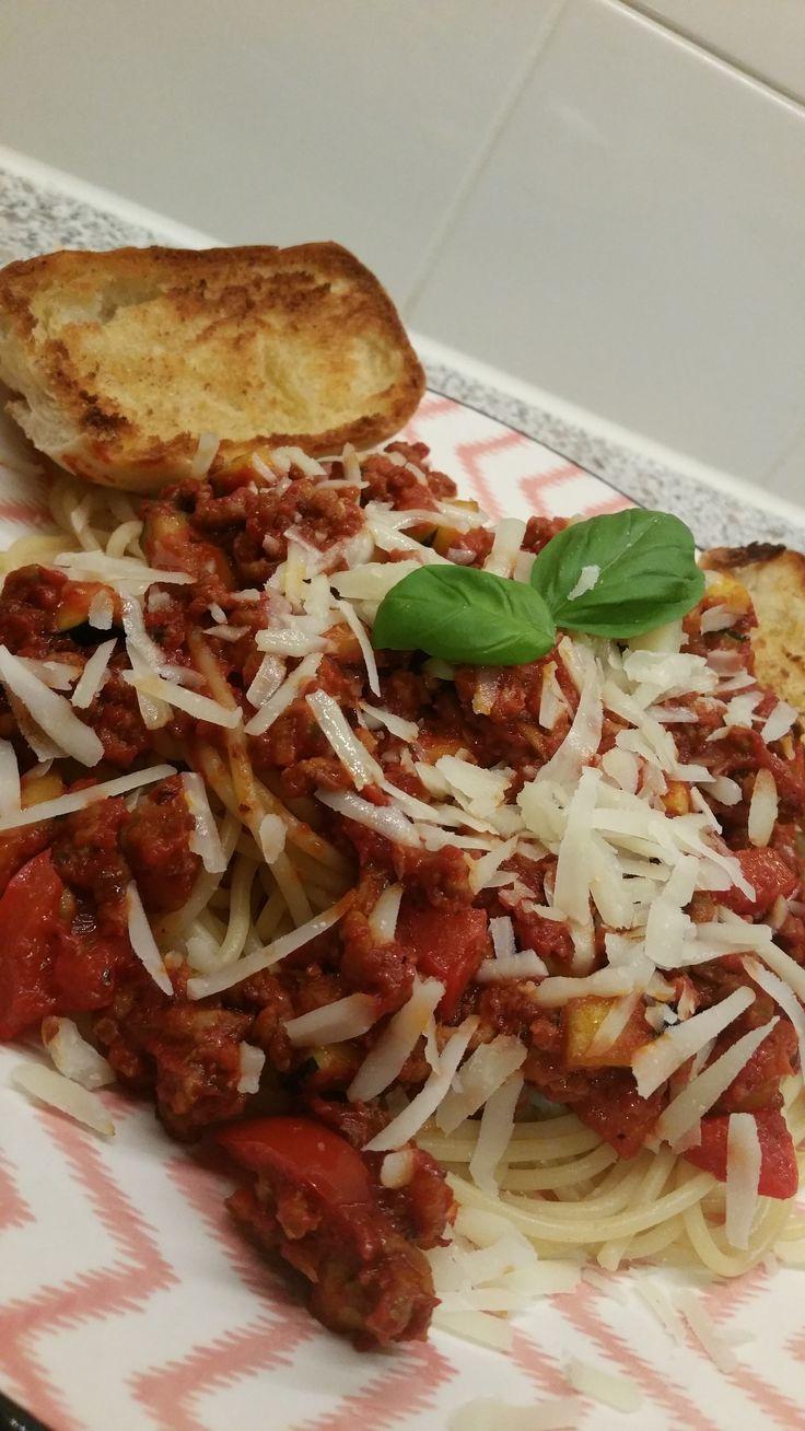 Spaghetti met knoflookbrood