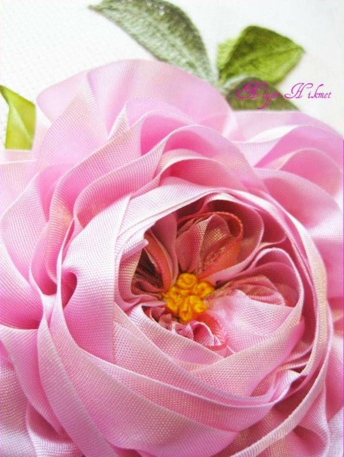Рукодельница: Цветы. Вышивка лентами Нигяр Хикмет