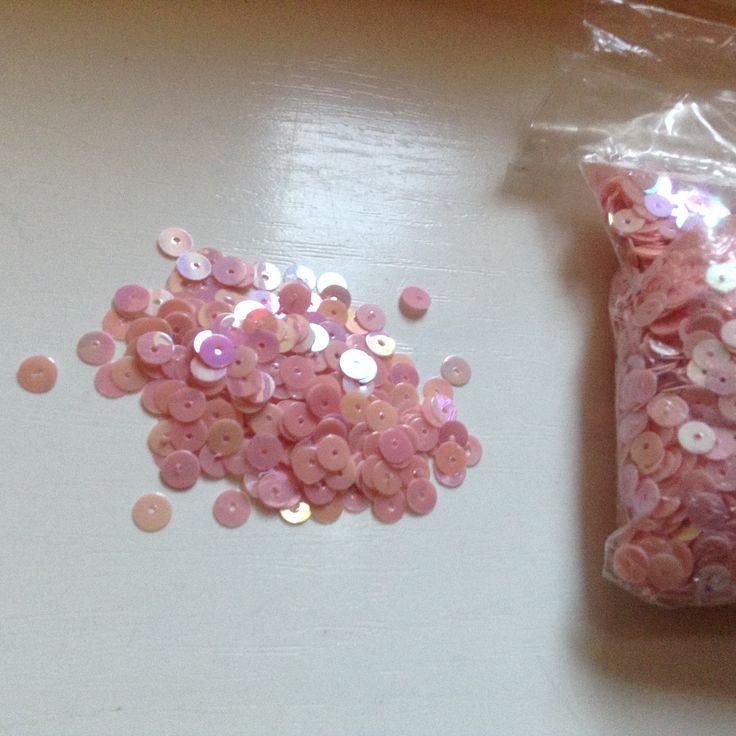Varrható flitterek 5 grammos kiszerelésekben  3 csomag - 450 Ft / 15 gramm  Postázom minden formában!