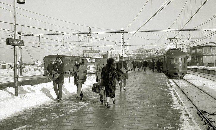 Station Zutphen Jaartal 1960 Tot 1970 Foto S Serc Oude Treinen Trein Trein Station