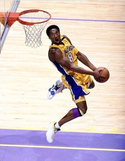 Kobe Reverses It, '00.