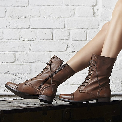 Shop Women's Steve Madden size 6 Shoes at a discounted price at Poshmark.  Description: Steve Madden Troopa Boots in Tobacco.
