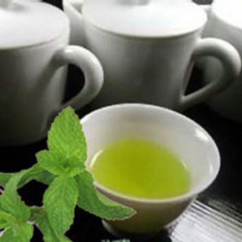Por que os británicos toman o té ás cinco?