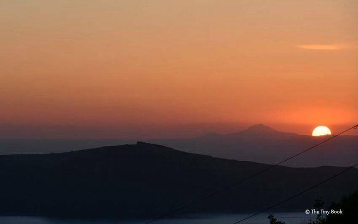 Sunset, Imerovigli. #Santorini dreamy photo destination