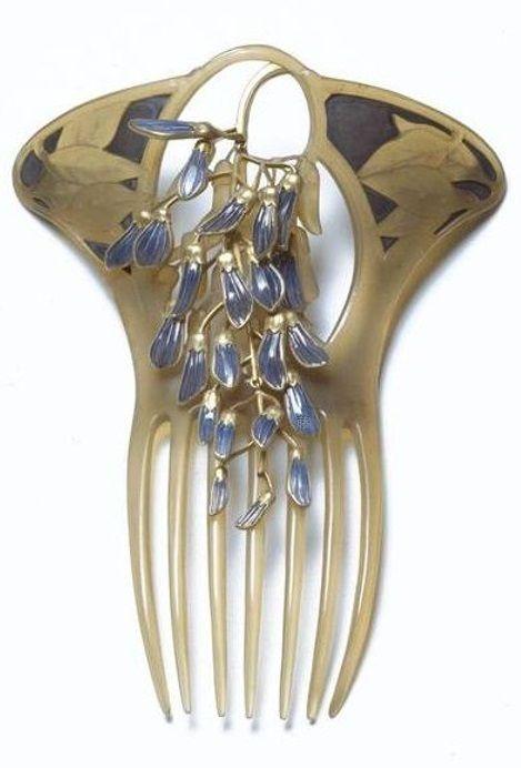An Art Nouveau horn, enamel and gold hair comb, by René Lalique, Paris, late 19th century. Signed LALIQUE. #Lalique #ArtNouveau #comb