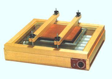 シルクスクリーン印刷版の製版に感光焼き付け器・露光機・販売・作り方も