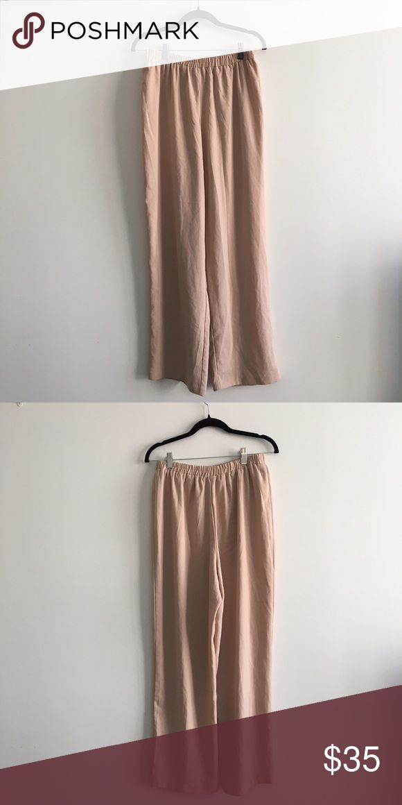 R&M Richards - 100% polyester peachy tan trousers R&M Richards - 100% polyester peachy tan nude trousers - pants with a tie at the front. Women's Size: 14 R&M Richards Pants Trousers