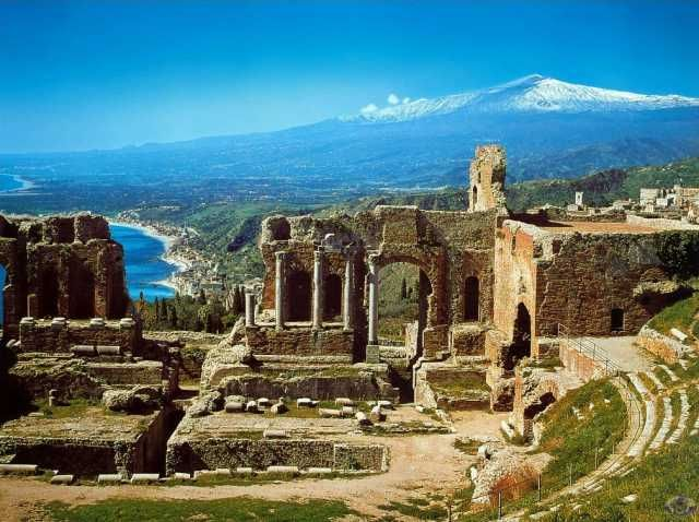 Sicily!: Buckets Lists, Sicily Italy, Backgrounds, Theatre, Volcanoes, Ruins, Places, Taormina Sicily, Travel Destinations