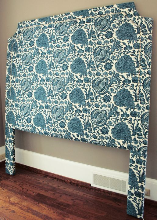 Good Diy Tutorial For Making A Curved Upholstered