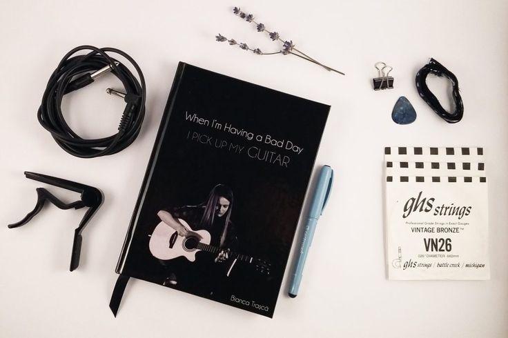 Agenda personalizata cu chitara