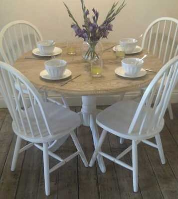 round pine table 4 chairs wwwfacebookcommaisieshousevintage - Round Pine Kitchen Table