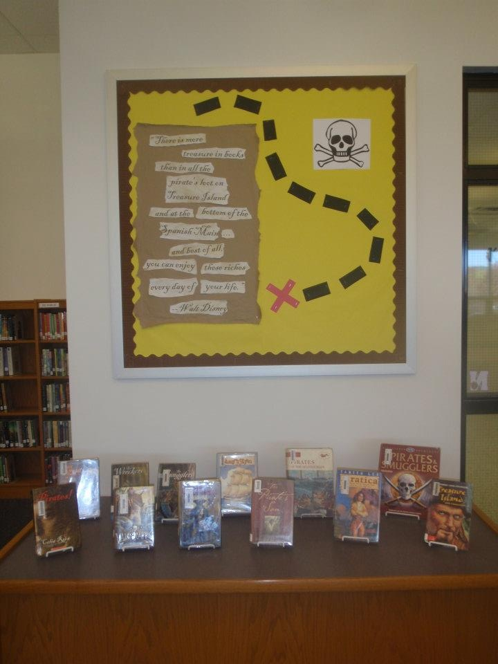 39 Best Book Display Ideas Images On Pinterest