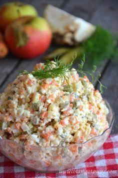 Tradycyjna sałatka jarzynowa (sałatka warzywna)