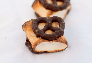 Chocolate Covered Pretzel S'mores! this is such a great idea!