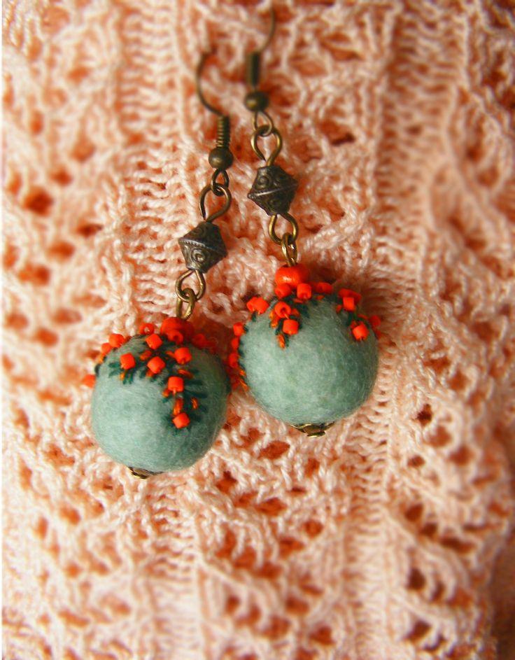 felt balls & beads ~ aqua & red