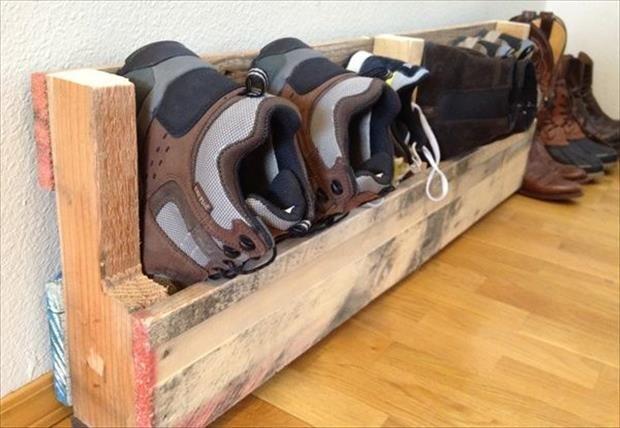 Maak je eigen schoenenrek van #pallets #DIY