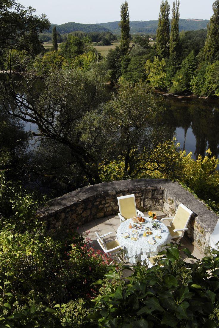 #ChateauDeLaTreyne #relaischateaux #rooms  #lifestyle #River #gardening #pinspiration