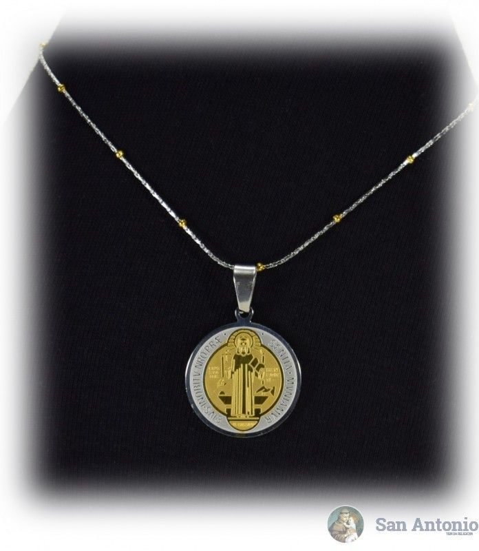 Medalla De San Benito (2.5  Cm):El origen de esta medalla se fundamenta en una verdad y experiencia del todo espiritual que aparece en la vida de san Benito, tal como nos la describe el papa san Gregorio en el Libro II de los Diálogos.