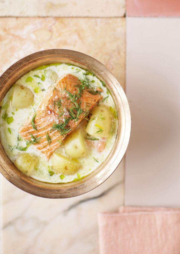 Kala- ja äyriäisravintola Fisken på Diskenin lohikeitto on Kampin ravintolakorttelin kehutuimpia annoksia. Paras valmistusaika on keskikesällä, kun...