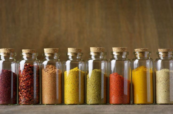 Wanneer we een maaltijd maken in de keuken, kunnen we onze kruiden die we op voorhand maakten gebruiken. De maaltijd moet dan wel eens op het menu staan zodat we de kruiden kunnen gebruiken.