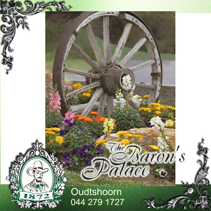 Garden DIY Wagon Wheel Idea don t you think garden
