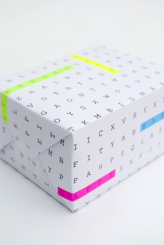 """Imprimible papel de regalo """"sopa de letras"""" >> DIY word search gift wrap"""
