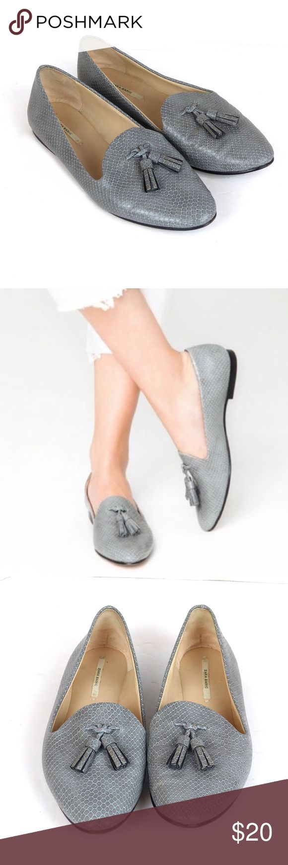"""Zara Snakeskin Faux Leather Tassel Pointy Loafers Pre-owned women's Zara Gray Snakeskin Faux Leather Tassel Pointy Loafers.  No rips or scratches on outer snakeskin faux leather. **Creases on shoe from wear. Inside fabric strap was cut-off. Signs of wear on bottom soles.    Size: US 8 (B,M), 39 EU 10"""" Insole Length  10 1/2"""" Outside Sole Length True to size  Details: Faux Snakeskin Leather Upper Tassel Detail Made in China Zara Shoes Flats & Loafers"""