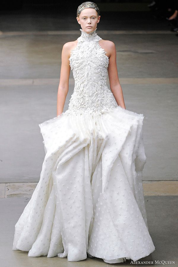 Best 25 sarah burton ideas on pinterest kate burton sarah alexander mcqueen fallwinter 2011 collection wedding dresssesfall wedding gownswhite junglespirit Image collections