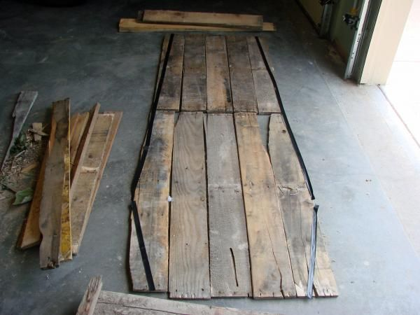 Tutorial on how to make a Pallet wood toe-pincher Coffin for Halloween