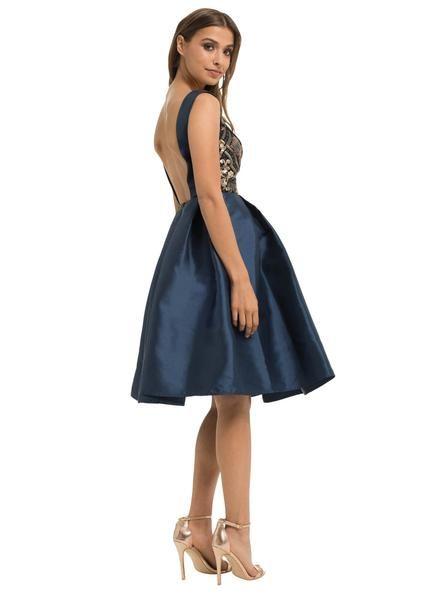 Vestido azul en seda con espectacular bordado