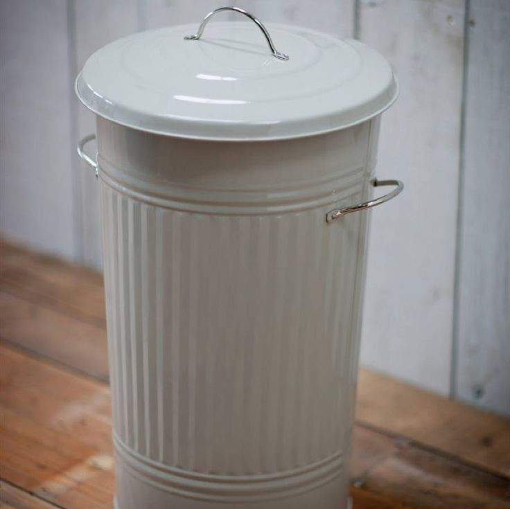 We gave given the classic galvanised steel dustbin a smart modern makeover with this large kitchen waste bin.Transformed with a smart modern makeover, this Kitchen Bin is every bit an updated version of the classic galvanised steel dustbin. Practical as well as stylish, the Kitchen Bin is crafted in powder coated steel and finished in clay, boasting a substantial 46-litre capacity, sturdy nickel-plated carry handles and tight-fitting lid. You are sure to be impressed with its build quality…