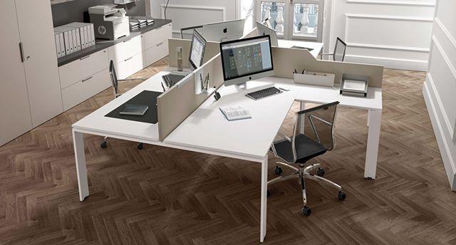 Escritorio con pata en forma de portal P01 y silla Calla. Librería Link System con sobre de 5 cm de esp. y serie de paneles Un oficina al mejor estilo ZALF. Te esperamos en la Cra 17A # 122 - 28 Bogotá.