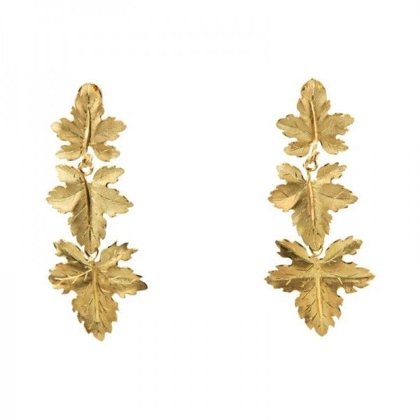 Pre-owned Buccellati 18K Yellow Gold Maple Leaf Clip-On Dangling... (487.000 RUB) ❤ liked on Polyvore featuring jewelry, earrings, gold leaf earrings, gold earrings, long gold earrings, dangle earrings and yellow gold earrings