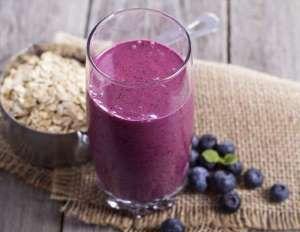 Le smoothie aux myrtilles et aux flocons d'avoine permet d'être rassasié toute la matinée et de ne p... - 750 grammes