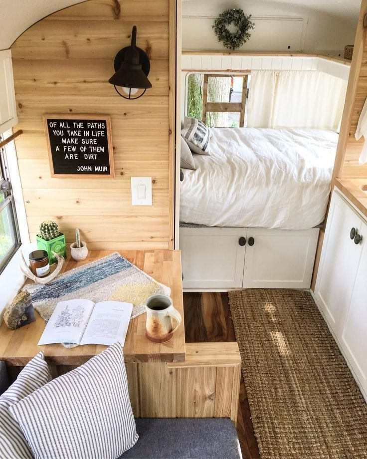25 Awesome Living Room Design Ideas On A Budget: 25 Awesome Bus Camper