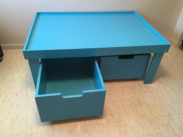 FREE: Children's Play Table