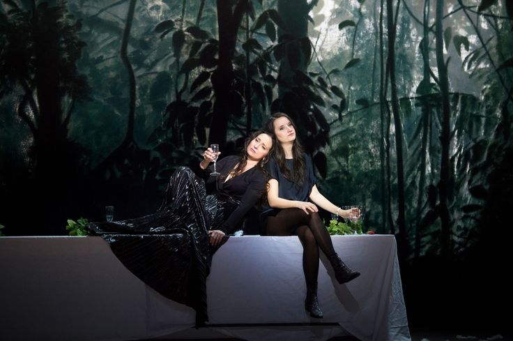 Marie-Claude Chappuis (Marie-Claude C., Dramaturgin), Anna Prohaska (Anna P., Sopranistin). Foto: © Monika Rittershaus
