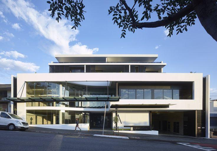 Argentum | Photography by Scott Burrows | Designed by Ellivo | www.ellivo.com | #glass #white #mixeduse #multires #architecture #design
