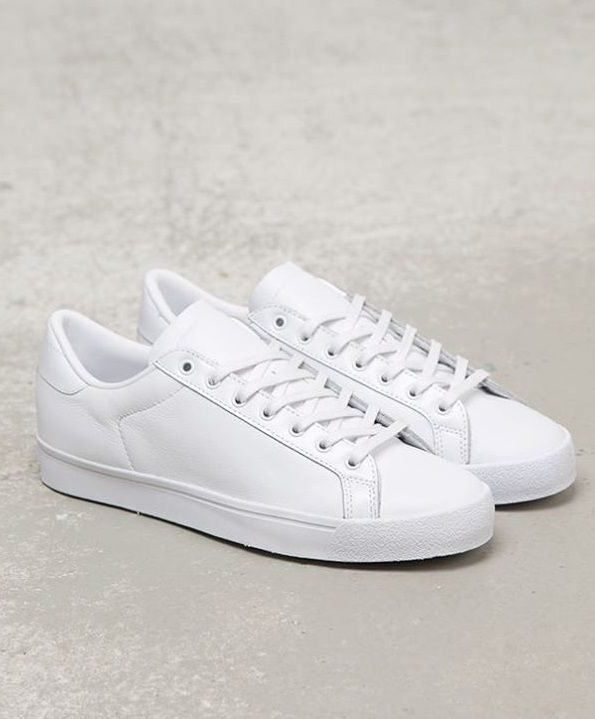 Women Shoes A Adidas White Sneakers Latest And Fashionable Shoes Adidas Adidassneakers Sneak Sneakers Men Fashion Sneakers Fashion Running Shoes For Men