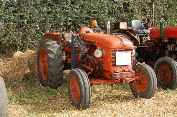 Les 25 meilleures id es de la cat gorie tracteur ancien sur pinterest tracteurs anciens - Tracteur ancien miniature ...
