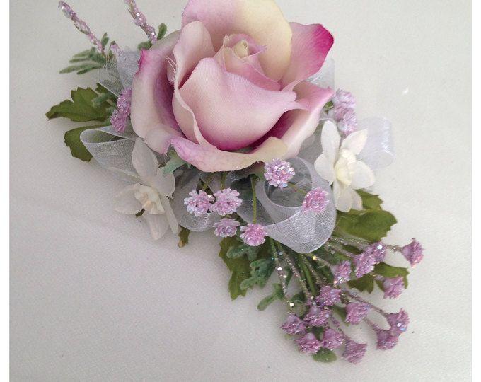 Ramillete de la muñeca de color púrpura, rosa lavanda.