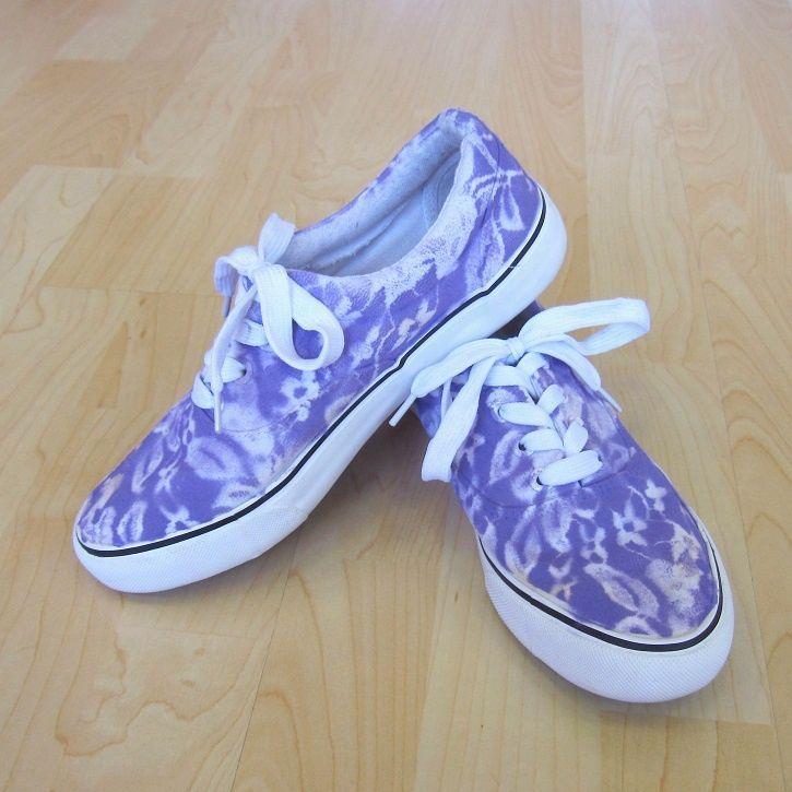 Comment customiser ses chaussures en toile facilement - DIY des chaussures à fleurs - MoiJeFais