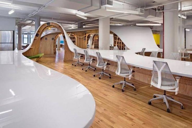 Mesa-pérgola de 330 metros de largo en una oficina de Nueva York