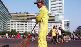 Kesadaran Masyarakat Tentang Sampah di Car Free Day Kurang | Komunitas CarfreedayTV