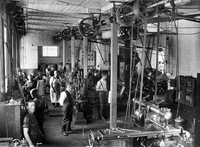 Crown Street Reservoir mechanical workshop, Surry Hills c. 1915.