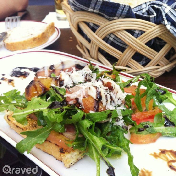 Tartine Prosciutto, Apricot, Gorgonzola, Basil Pesto at Le Quartier