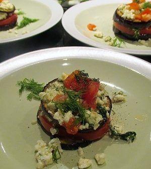 Koolhydraatarme aubergine-tomaattorentjes met feta