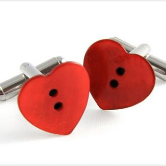 Sevgililer Günü Hediyesi İçin Kol Düğmeleri Bakabilirsiniz